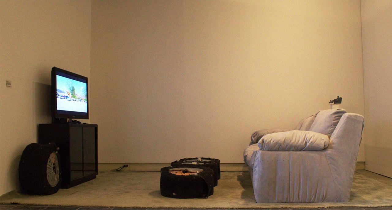3_Wobb_Minivan_Living Room 1